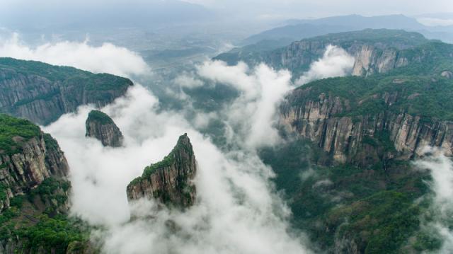 位于浙江省台州市仙居县县城约20公里的白塔镇南境